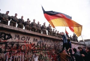 berlin wall-flag