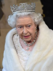 queen-elizabeth-parliament-opening